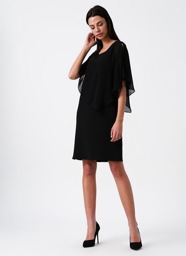 Random Şifon Detaylı Kısa Elbise Siyah
